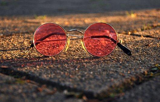 glasses-2832106__340